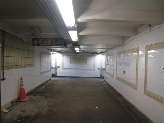 (36k, 640x480)<br><b>Country:</b> United States<br><b>City:</b> New York<br><b>System:</b> New York City Transit<br><b>Line:</b> IRT West Side Line<br><b>Location:</b> 96th Street <br><b>Photo by:</b> David Blair<br><b>Date:</b> 2/21/2010<br><b>Notes:</b> Station renovation.<br><b>Viewed (this week/total):</b> 0 / 989