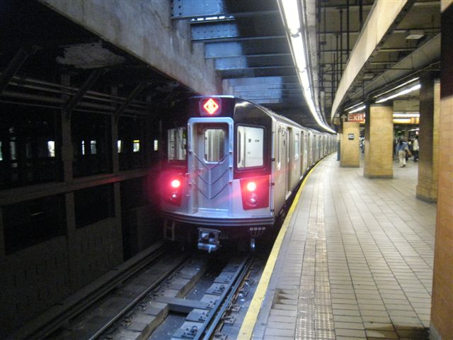 (59k, 640x480)<br><b>Country:</b> United States<br><b>City:</b> New York<br><b>System:</b> New York City Transit<br><b>Line:</b> IRT East Side Line<br><b>Location:</b> Astor Place <br><b>Photo by:</b> David Blair<br><b>Date:</b> 4/24/2007<br><b>Notes:</b> Downtown side.<br><b>Viewed (this week/total):</b> 2 / 1269