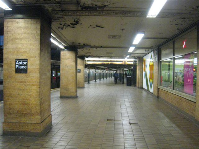 (58k, 640x480)<br><b>Country:</b> United States<br><b>City:</b> New York<br><b>System:</b> New York City Transit<br><b>Line:</b> IRT East Side Line<br><b>Location:</b> Astor Place <br><b>Photo by:</b> David Blair<br><b>Date:</b> 4/24/2007<br><b>Notes:</b> Downtown side.<br><b>Viewed (this week/total):</b> 2 / 959