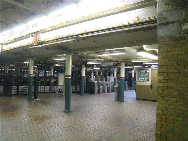 (57k, 640x480)<br><b>Country:</b> United States<br><b>City:</b> New York<br><b>System:</b> New York City Transit<br><b>Line:</b> IRT East Side Line<br><b>Location:</b> Astor Place <br><b>Photo by:</b> David Blair<br><b>Date:</b> 2/21/2010<br><b>Notes:</b> Downtown side.<br><b>Viewed (this week/total):</b> 1 / 1001
