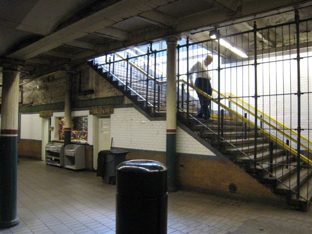 (65k, 640x480)<br><b>Country:</b> United States<br><b>City:</b> New York<br><b>System:</b> New York City Transit<br><b>Line:</b> IRT East Side Line<br><b>Location:</b> Astor Place <br><b>Photo by:</b> David Blair<br><b>Date:</b> 4/24/2007<br><b>Notes:</b> Uptown side.<br><b>Viewed (this week/total):</b> 3 / 966