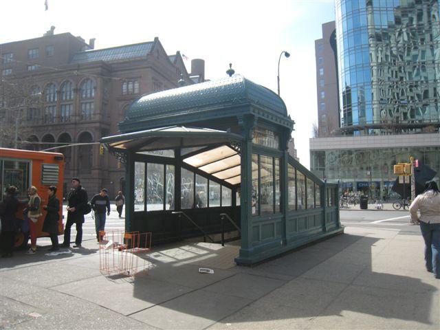 (59k, 640x480)<br><b>Country:</b> United States<br><b>City:</b> New York<br><b>System:</b> New York City Transit<br><b>Line:</b> IRT East Side Line<br><b>Location:</b> Astor Place <br><b>Photo by:</b> David Blair<br><b>Date:</b> 3/25/2009<br><b>Notes:</b> Uptown side.<br><b>Viewed (this week/total):</b> 1 / 1010