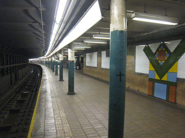 (55k, 640x480)<br><b>Country:</b> United States<br><b>City:</b> New York<br><b>System:</b> New York City Transit<br><b>Line:</b> IRT East Side Line<br><b>Location:</b> Astor Place <br><b>Photo by:</b> David Blair<br><b>Date:</b> 3/25/2009<br><b>Notes:</b> Uptown side.<br><b>Viewed (this week/total):</b> 1 / 759
