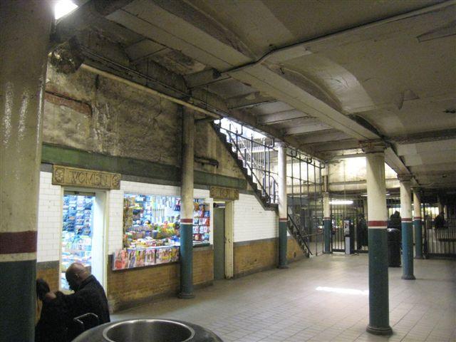 (61k, 640x480)<br><b>Country:</b> United States<br><b>City:</b> New York<br><b>System:</b> New York City Transit<br><b>Line:</b> IRT East Side Line<br><b>Location:</b> Astor Place <br><b>Photo by:</b> David Blair<br><b>Date:</b> 3/25/2009<br><b>Notes:</b> Uptown side.<br><b>Viewed (this week/total):</b> 2 / 936