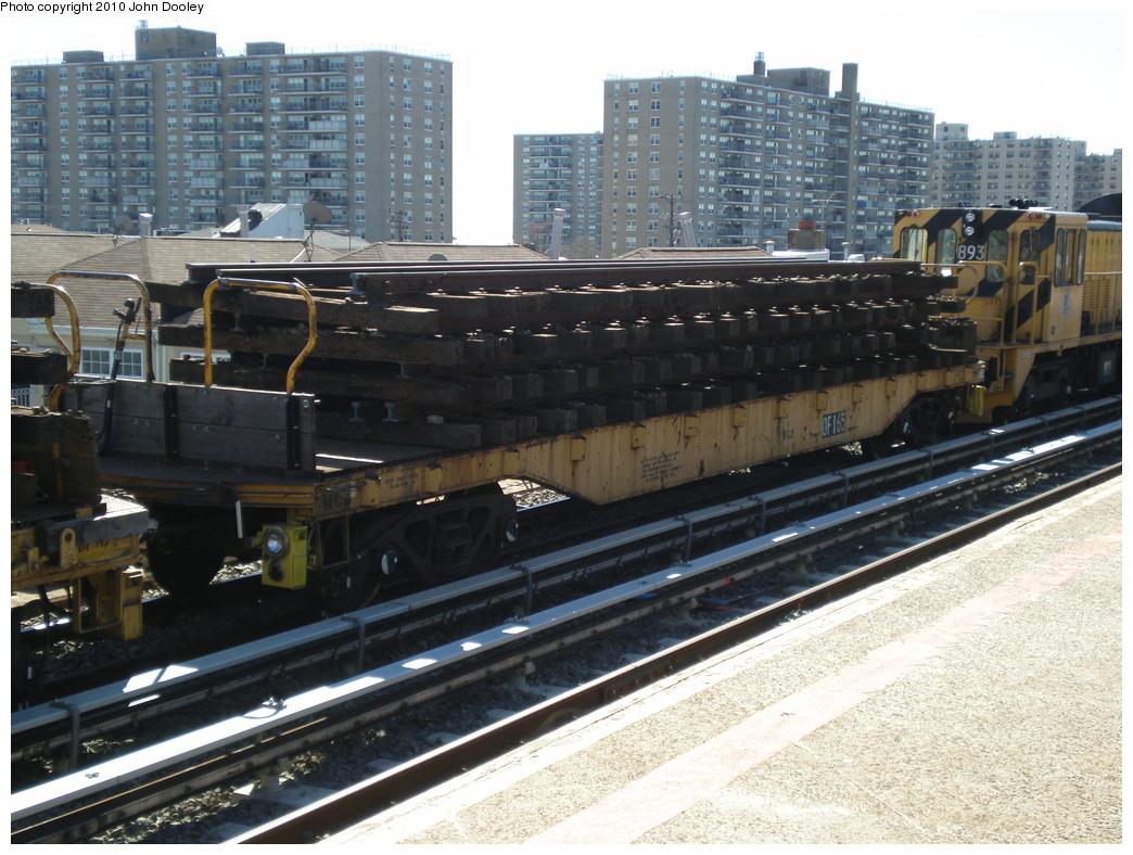 (257k, 1044x788)<br><b>Country:</b> United States<br><b>City:</b> New York<br><b>System:</b> New York City Transit<br><b>Line:</b> IND Rockaway<br><b>Location:</b> Beach 98th Street/Playland <br><b>Route:</b> Work Service<br><b>Car:</b> Flat Car 165 <br><b>Photo by:</b> John Dooley<br><b>Date:</b> 3/6/2010<br><b>Viewed (this week/total):</b> 0 / 892