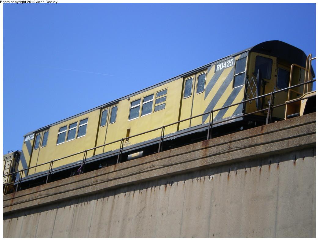(210k, 1044x788)<br><b>Country:</b> United States<br><b>City:</b> New York<br><b>System:</b> New York City Transit<br><b>Line:</b> IND Rockaway<br><b>Location:</b> Beach 90th Street/Holland <br><b>Route:</b> Work Service<br><b>Car:</b> R-161 Rider Car (ex-R-33)  RD425 <br><b>Photo by:</b> John Dooley<br><b>Date:</b> 3/6/2010<br><b>Viewed (this week/total):</b> 9 / 706