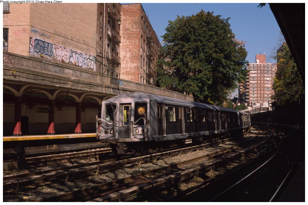 (227k, 1044x696)<br><b>Country:</b> United States<br><b>City:</b> New York<br><b>System:</b> New York City Transit<br><b>Line:</b> BMT Brighton Line<br><b>Location:</b> Parkside Avenue <br><b>Route:</b> Q<br><b>Car:</b> R-40 (St. Louis, 1968)  4215 <br><b>Photo by:</b> Chao-Hwa Chen<br><b>Date:</b> 10/20/2000<br><b>Viewed (this week/total):</b> 0 / 1485