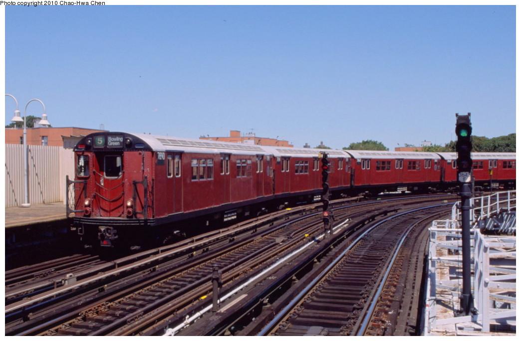 (174k, 1044x684)<br><b>Country:</b> United States<br><b>City:</b> New York<br><b>System:</b> New York City Transit<br><b>Line:</b> IRT White Plains Road Line<br><b>Location:</b> West Farms Sq./East Tremont Ave./177th St. <br><b>Route:</b> 5<br><b>Car:</b> R-28 (American Car & Foundry, 1960-61) 7890 <br><b>Photo by:</b> Chao-Hwa Chen<br><b>Date:</b> 8/9/1999<br><b>Viewed (this week/total):</b> 2 / 1305