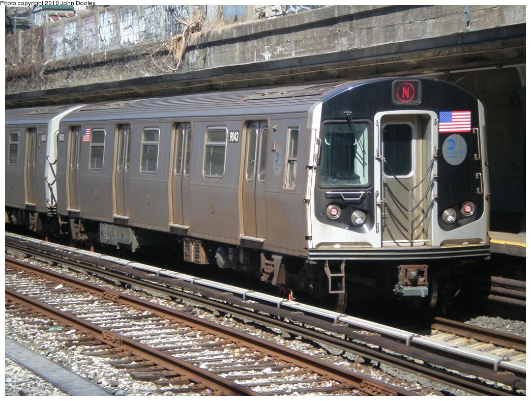 (296k, 1044x788)<br><b>Country:</b> United States<br><b>City:</b> New York<br><b>System:</b> New York City Transit<br><b>Line:</b> BMT Sea Beach Line<br><b>Location:</b> 20th Avenue <br><b>Route:</b> N<br><b>Car:</b> R-160B (Option 1) (Kawasaki, 2008-2009)  9043 <br><b>Photo by:</b> John Dooley<br><b>Date:</b> 3/16/2010<br><b>Viewed (this week/total):</b> 0 / 892