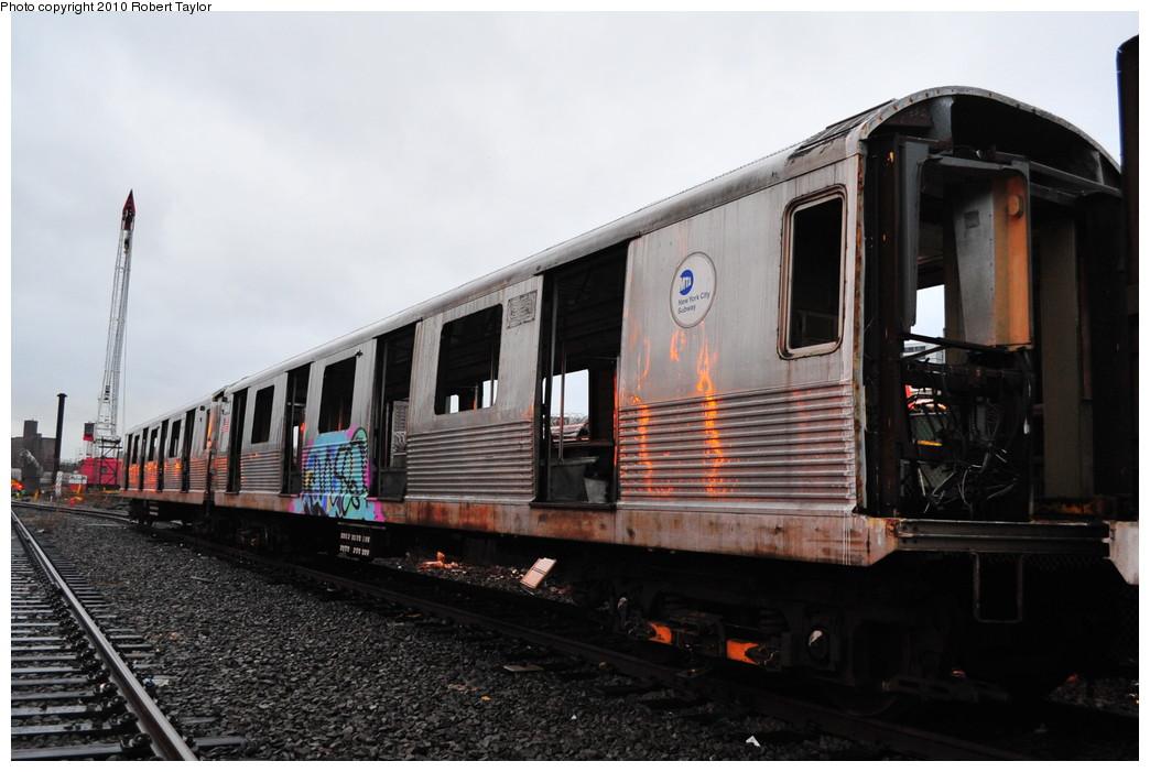 (228k, 1044x701)<br><b>Country:</b> United States<br><b>City:</b> New York<br><b>System:</b> New York City Transit<br><b>Location:</b> 207th Street Yard<br><b>Car:</b> R-42 (St. Louis, 1969-1970)  4695 <br><b>Photo by:</b> Robert Taylor<br><b>Date:</b> 3/15/2010<br><b>Viewed (this week/total):</b> 3 / 1005