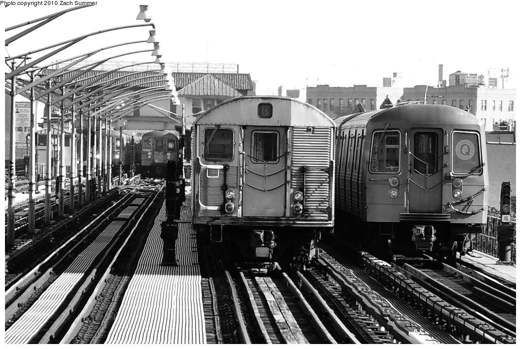 (239k, 1044x700)<br><b>Country:</b> United States<br><b>City:</b> New York<br><b>System:</b> New York City Transit<br><b>Line:</b> BMT Brighton Line<br><b>Location:</b> Ocean Parkway <br><b>Route:</b> B Layup<br><b>Car:</b> R-32 (Budd, 1964)  3611 <br><b>Photo by:</b> Zach Summer<br><b>Date:</b> 1/14/2010<br><b>Notes:</b> With R68A 5138 on the Q<br><b>Viewed (this week/total):</b> 3 / 1443