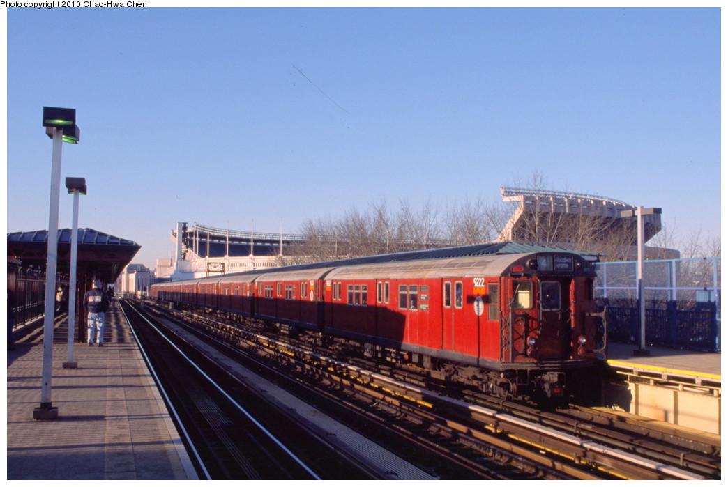 (168k, 1044x699)<br><b>Country:</b> United States<br><b>City:</b> New York<br><b>System:</b> New York City Transit<br><b>Line:</b> IRT Woodlawn Line<br><b>Location:</b> 161st Street/River Avenue (Yankee Stadium) <br><b>Route:</b> 4<br><b>Car:</b> R-33 Main Line (St. Louis, 1962-63) 9222 <br><b>Photo by:</b> Chao-Hwa Chen<br><b>Date:</b> 3/6/2000<br><b>Viewed (this week/total):</b> 0 / 1028