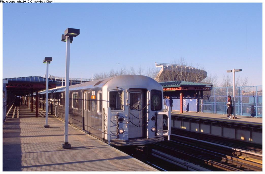 (161k, 1044x687)<br><b>Country:</b> United States<br><b>City:</b> New York<br><b>System:</b> New York City Transit<br><b>Line:</b> IRT Woodlawn Line<br><b>Location:</b> 161st Street/River Avenue (Yankee Stadium) <br><b>Route:</b> 4<br><b>Car:</b> R-62 (Kawasaki, 1983-1985)  1511 <br><b>Photo by:</b> Chao-Hwa Chen<br><b>Date:</b> 3/6/2000<br><b>Viewed (this week/total):</b> 1 / 1136