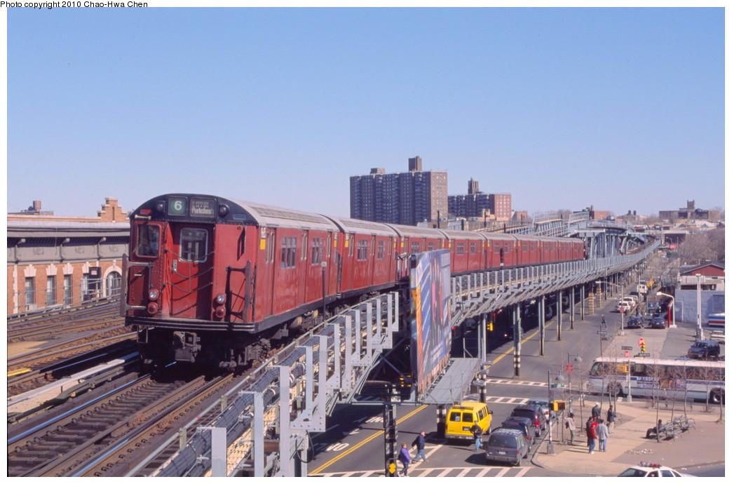 (187k, 1044x690)<br><b>Country:</b> United States<br><b>City:</b> New York<br><b>System:</b> New York City Transit<br><b>Line:</b> IRT Pelham Line<br><b>Location:</b> Westchester Square <br><b>Route:</b> 6<br><b>Car:</b> R-29 (St. Louis, 1962) 8685 <br><b>Photo by:</b> Chao-Hwa Chen<br><b>Date:</b> 3/6/2000<br><b>Viewed (this week/total):</b> 5 / 1453
