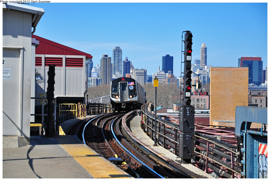 (291k, 1044x700)<br><b>Country:</b> United States<br><b>City:</b> New York<br><b>System:</b> New York City Transit<br><b>Line:</b> BMT Astoria Line<br><b>Location:</b> Queensborough Plaza <br><b>Route:</b> N<br><b>Car:</b> R-160A-2 (Alstom, 2005-2008, 5 car sets)  8712 <br><b>Photo by:</b> Zach Summer<br><b>Date:</b> 3/7/2010<br><b>Viewed (this week/total):</b> 1 / 1704