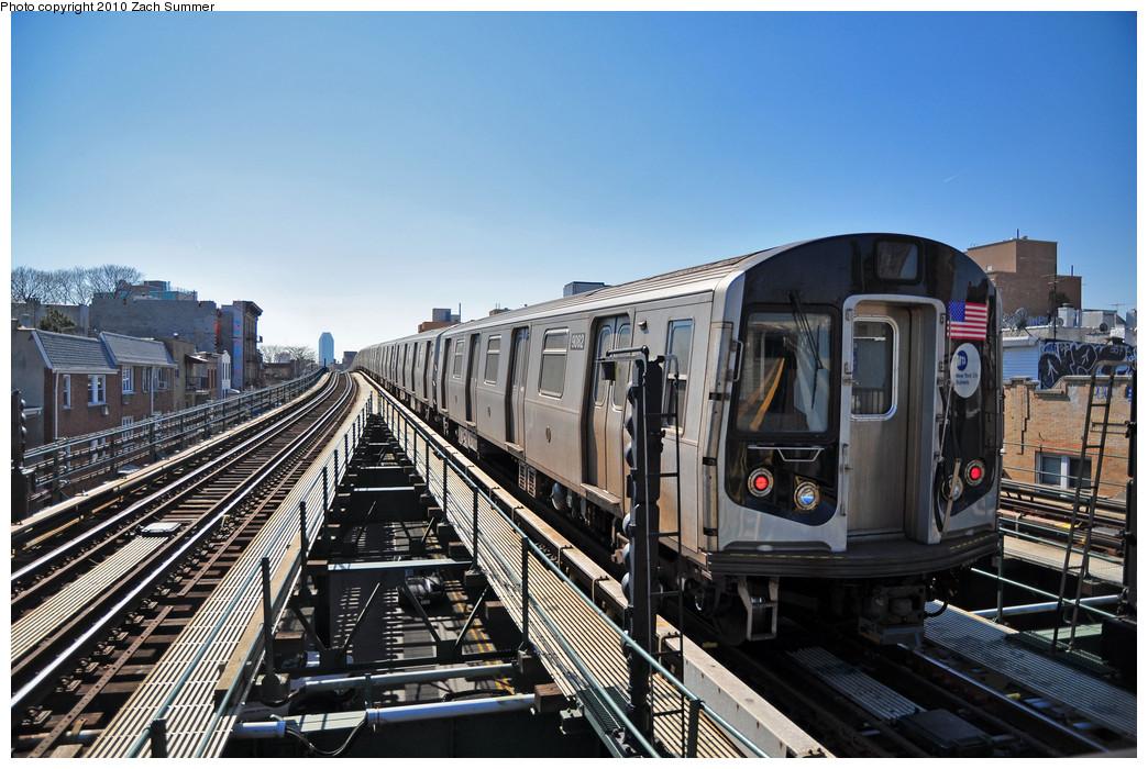 (277k, 1044x700)<br><b>Country:</b> United States<br><b>City:</b> New York<br><b>System:</b> New York City Transit<br><b>Line:</b> BMT Astoria Line<br><b>Location:</b> Astoria Boulevard/Hoyt Avenue <br><b>Route:</b> Layup<br><b>Car:</b> R-160B (Option 1) (Kawasaki, 2008-2009)  9082 <br><b>Photo by:</b> Zach Summer<br><b>Date:</b> 3/7/2010<br><b>Viewed (this week/total):</b> 4 / 1314