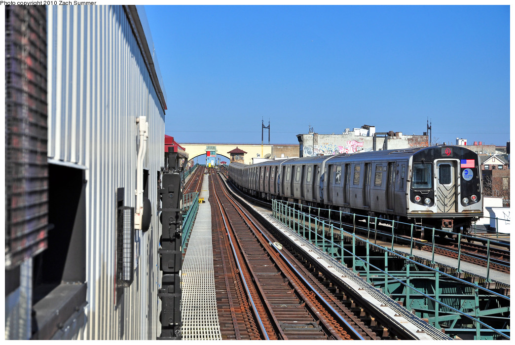 (290k, 1044x700)<br><b>Country:</b> United States<br><b>City:</b> New York<br><b>System:</b> New York City Transit<br><b>Line:</b> BMT Astoria Line<br><b>Location:</b> Astoria Boulevard/Hoyt Avenue <br><b>Route:</b> Q<br><b>Car:</b> R-160B (Kawasaki, 2005-2008)  8948 <br><b>Photo by:</b> Zach Summer<br><b>Date:</b> 3/7/2010<br><b>Notes:</b> Q Trains Extended from 57 St/7 Av to Ditmars Blvd<br><b>Viewed (this week/total):</b> 1 / 1083