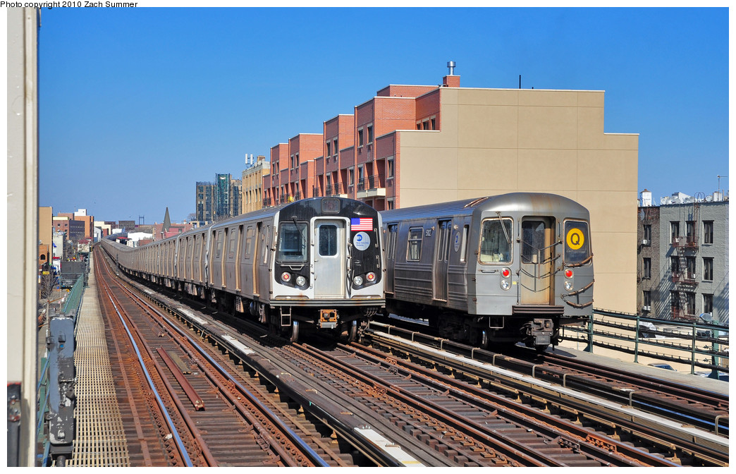 (291k, 1044x672)<br><b>Country:</b> United States<br><b>City:</b> New York<br><b>System:</b> New York City Transit<br><b>Line:</b> BMT Astoria Line<br><b>Location:</b> Broadway <br><b>Route:</b> Q<br><b>Car:</b> R-68A (Kawasaki, 1988-1989)  5102 <br><b>Photo by:</b> Zach Summer<br><b>Date:</b> 3/7/2010<br><b>Notes:</b> With an R160A/B Layup. Q Trains Extended from 57 St/7 Av to Ditmars Blvd<br><b>Viewed (this week/total):</b> 2 / 1582