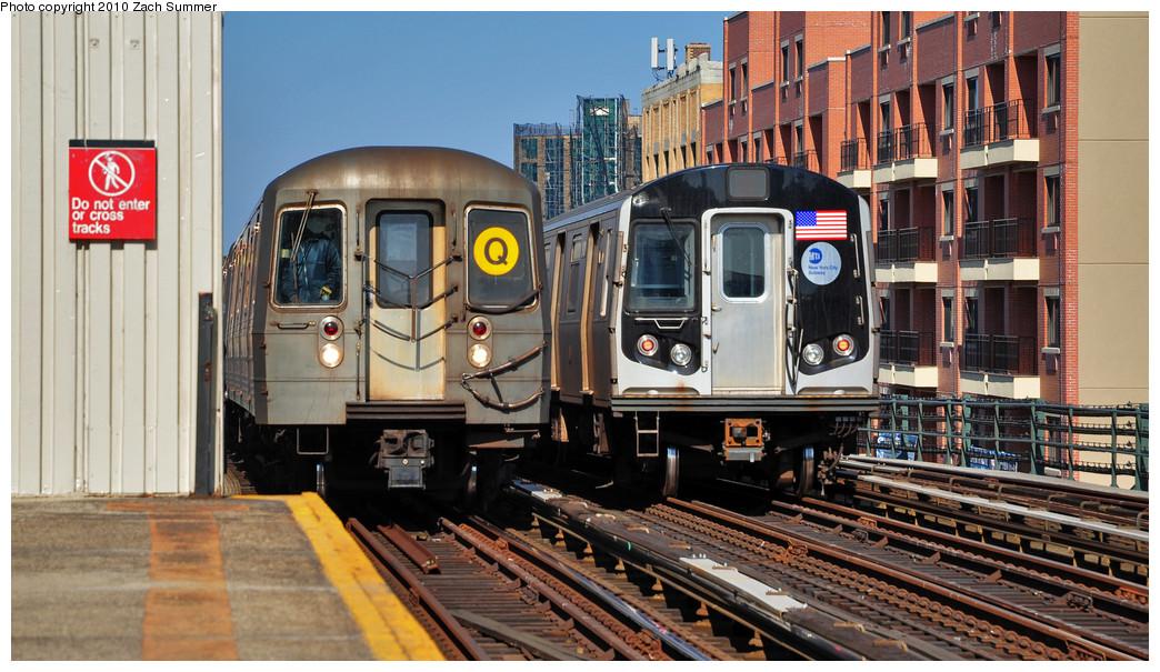 (276k, 1044x605)<br><b>Country:</b> United States<br><b>City:</b> New York<br><b>System:</b> New York City Transit<br><b>Line:</b> BMT Astoria Line<br><b>Location:</b> Broadway <br><b>Route:</b> Q<br><b>Car:</b> R-68A (Kawasaki, 1988-1989)  5096 <br><b>Photo by:</b> Zach Summer<br><b>Date:</b> 3/7/2010<br><b>Notes:</b> With an R160A/B Layup. Q Trains Extended from 57 St/7 Av to Ditmars Blvd<br><b>Viewed (this week/total):</b> 0 / 1617