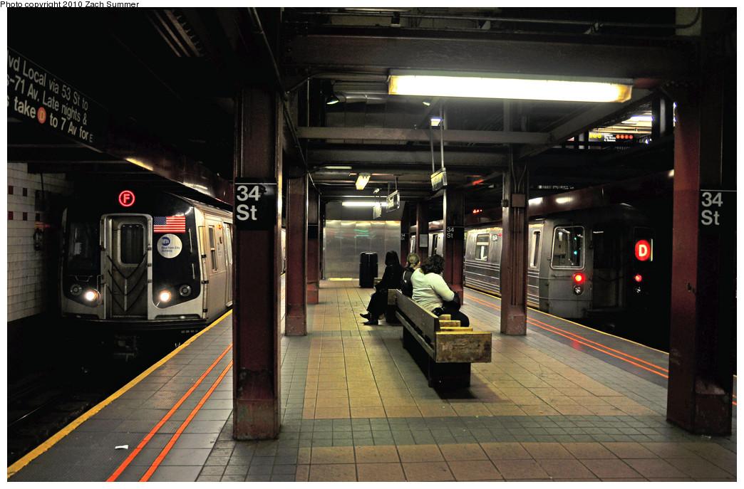 (235k, 1044x687)<br><b>Country:</b> United States<br><b>City:</b> New York<br><b>System:</b> New York City Transit<br><b>Line:</b> IND 6th Avenue Line<br><b>Location:</b> 34th Street/Herald Square <br><b>Route:</b> D<br><b>Car:</b> R-68 (Westinghouse-Amrail, 1986-1988)  2674 <br><b>Photo by:</b> Zach Summer<br><b>Date:</b> 3/7/2010<br><b>Notes:</b> R160A 9532 on the F / D Train Service split between 34 St & Pacific St<br><b>Viewed (this week/total):</b> 10 / 1980