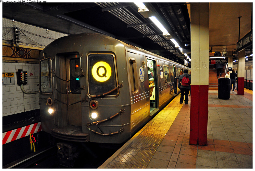 (291k, 1044x700)<br><b>Country:</b> United States<br><b>City:</b> New York<br><b>System:</b> New York City Transit<br><b>Location:</b> DeKalb Avenue<br><b>Route:</b> Q<br><b>Car:</b> R-68A (Kawasaki, 1988-1989)  5144 <br><b>Photo by:</b> Zach Summer<br><b>Date:</b> 3/7/2010<br><b>Viewed (this week/total):</b> 2 / 1681