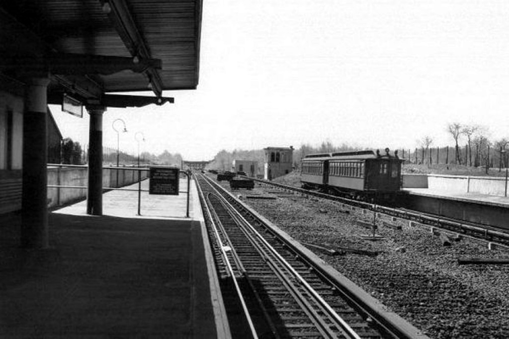 (131k, 1024x683)<br><b>Country:</b> United States<br><b>City:</b> New York<br><b>System:</b> New York City Transit<br><b>Line:</b> IRT Dyre Ave. Line<br><b>Location:</b> Baychester Avenue <br><b>Collection of:</b> J. McDonald Vanderbilt<br><b>Date:</b> 5/1947<br><b>Viewed (this week/total):</b> 0 / 1166
