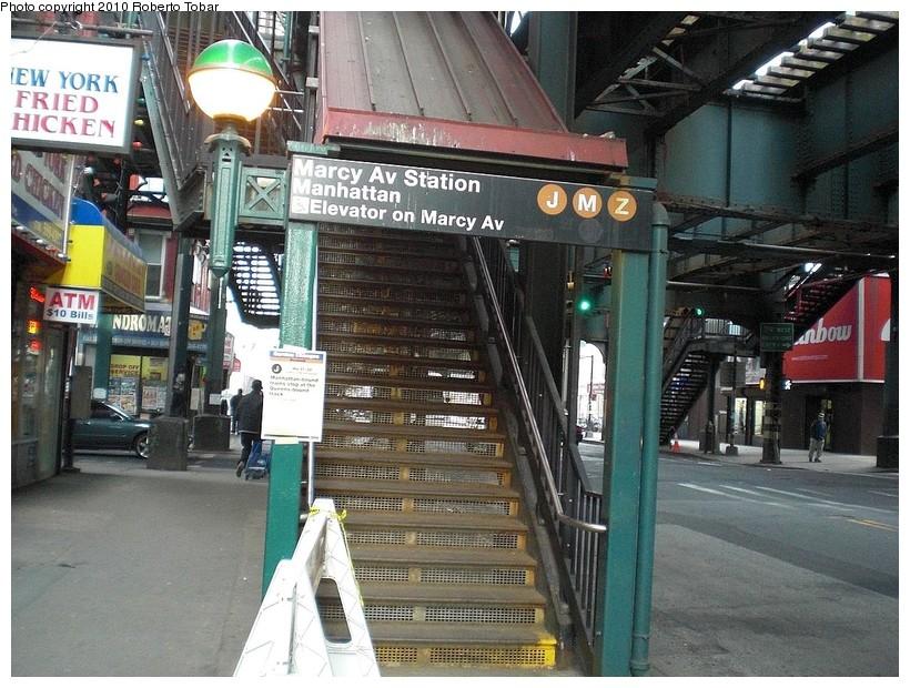 (216k, 820x620)<br><b>Country:</b> United States<br><b>City:</b> New York<br><b>System:</b> New York City Transit<br><b>Line:</b> BMT Nassau Street/Jamaica Line<br><b>Location:</b> Marcy Avenue <br><b>Photo by:</b> Roberto C. Tobar<br><b>Date:</b> 3/27/2010<br><b>Notes:</b> Station entrance.<br><b>Viewed (this week/total):</b> 0 / 1610