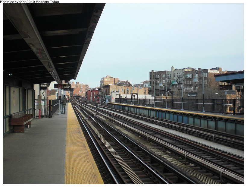 (175k, 820x620)<br><b>Country:</b> United States<br><b>City:</b> New York<br><b>System:</b> New York City Transit<br><b>Line:</b> BMT Nassau Street/Jamaica Line<br><b>Location:</b> Marcy Avenue <br><b>Photo by:</b> Roberto C. Tobar<br><b>Date:</b> 3/27/2010<br><b>Notes:</b> Station view.<br><b>Viewed (this week/total):</b> 0 / 842