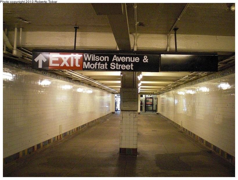 (212k, 820x620)<br><b>Country:</b> United States<br><b>City:</b> New York<br><b>System:</b> New York City Transit<br><b>Line:</b> BMT Canarsie Line<br><b>Location:</b> Wilson Avenue <br><b>Photo by:</b> Roberto C. Tobar<br><b>Date:</b> 3/27/2010<br><b>Notes:</b> Lower level.<br><b>Viewed (this week/total):</b> 0 / 1559