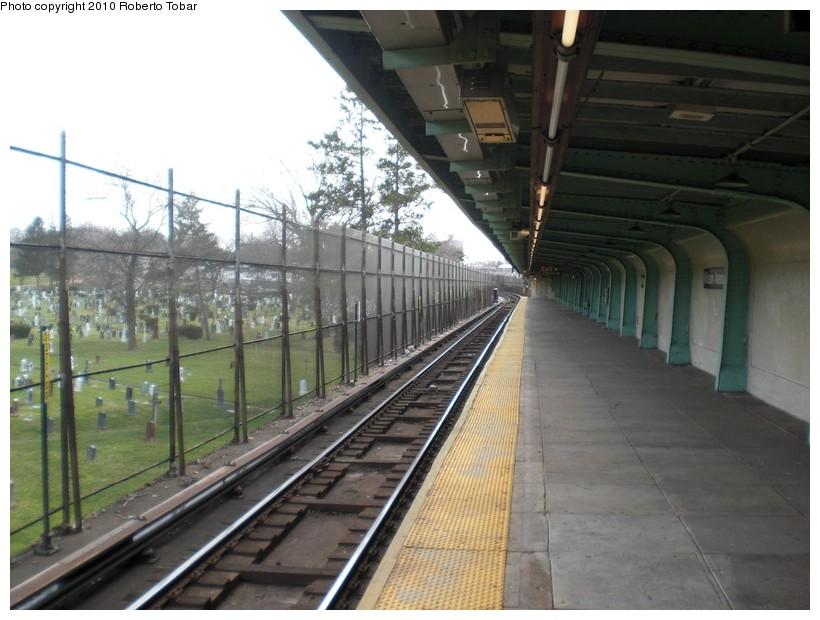 (165k, 820x620)<br><b>Country:</b> United States<br><b>City:</b> New York<br><b>System:</b> New York City Transit<br><b>Line:</b> BMT Canarsie Line<br><b>Location:</b> Wilson Avenue <br><b>Photo by:</b> Roberto C. Tobar<br><b>Date:</b> 3/27/2010<br><b>Notes:</b> Upper level.<br><b>Viewed (this week/total):</b> 0 / 1556