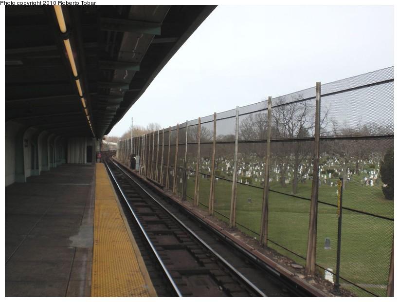 (148k, 820x620)<br><b>Country:</b> United States<br><b>City:</b> New York<br><b>System:</b> New York City Transit<br><b>Line:</b> BMT Canarsie Line<br><b>Location:</b> Wilson Avenue <br><b>Photo by:</b> Roberto C. Tobar<br><b>Date:</b> 3/27/2010<br><b>Notes:</b> Upper level.<br><b>Viewed (this week/total):</b> 1 / 992