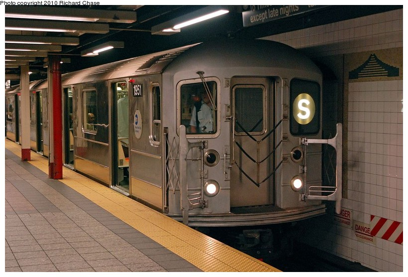 (133k, 820x556)<br><b>Country:</b> United States<br><b>City:</b> New York<br><b>System:</b> New York City Transit<br><b>Line:</b> IRT Times Square-Grand Central Shuttle<br><b>Location:</b> Grand Central <br><b>Route:</b> S<br><b>Car:</b> R-62A (Bombardier, 1984-1987)  1951 <br><b>Photo by:</b> Richard Chase<br><b>Date:</b> 3/25/2010<br><b>Viewed (this week/total):</b> 0 / 930