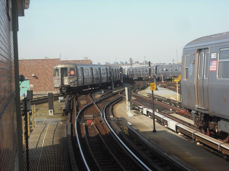(89k, 800x600)<br><b>Country:</b> United States<br><b>City:</b> New York<br><b>System:</b> New York City Transit<br><b>Location:</b> Coney Island/Stillwell Avenue<br><b>Photo by:</b> Alize Jarrett<br><b>Date:</b> 3/20/2010<br><b>Notes:</b> R68 on D and two R160 trains.<br><b>Viewed (this week/total):</b> 0 / 1023