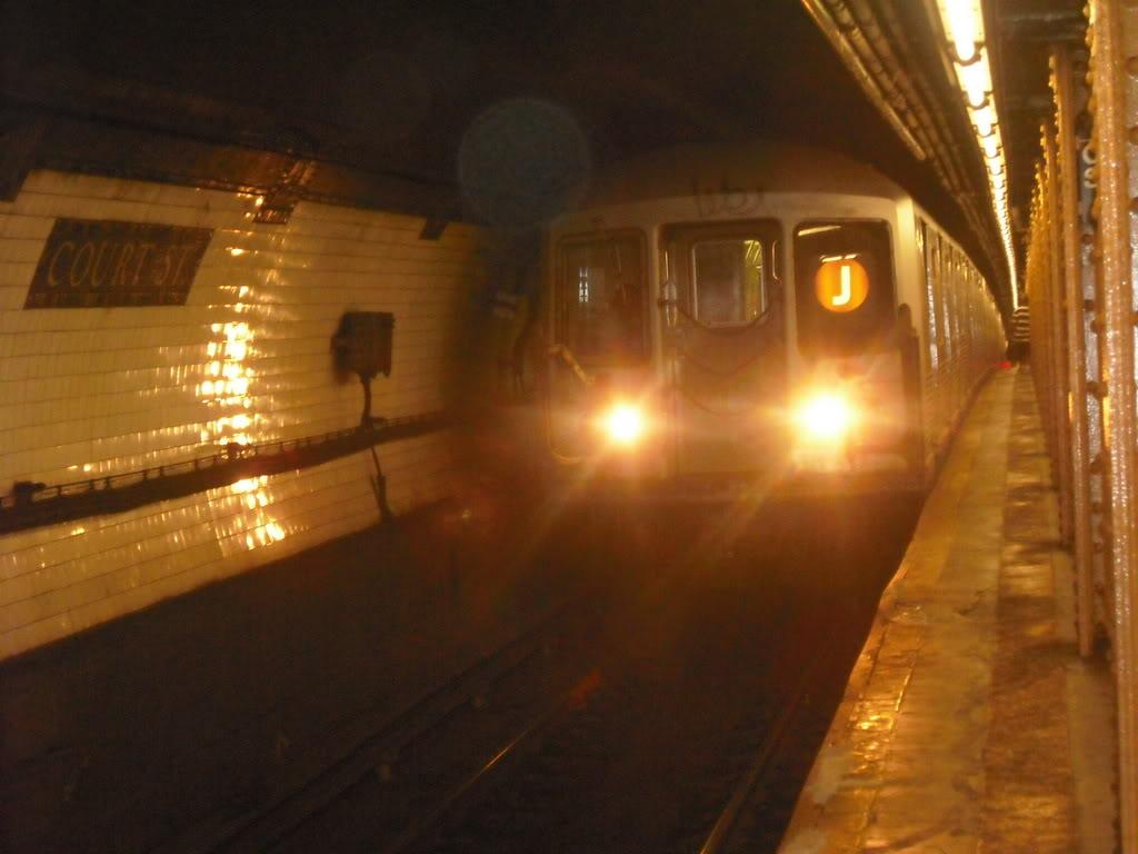 (83k, 1024x768)<br><b>Country:</b> United States<br><b>City:</b> New York<br><b>System:</b> New York City Transit<br><b>Line:</b> BMT Broadway Line<br><b>Location:</b> Court Street <br><b>Route:</b> J reroute<br><b>Car:</b> R-42 (St. Louis, 1969-1970)   <br><b>Photo by:</b> Alize Jarrett<br><b>Date:</b> 8/30/2008<br><b>Viewed (this week/total):</b> 1 / 1615