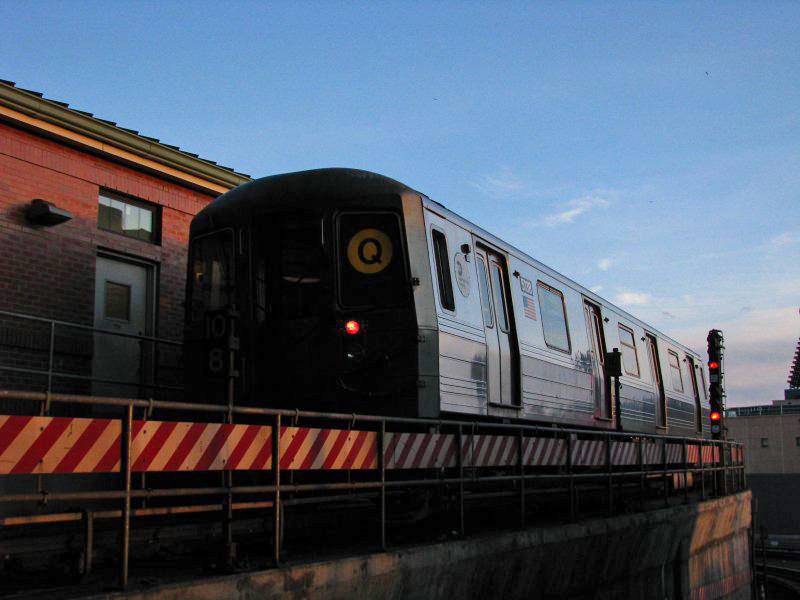 (129k, 800x600)<br><b>Country:</b> United States<br><b>City:</b> New York<br><b>System:</b> New York City Transit<br><b>Location:</b> Coney Island/Stillwell Avenue<br><b>Route:</b> Q<br><b>Car:</b> R-68A (Kawasaki, 1988-1989)  5138 <br><b>Photo by:</b> Bill E.<br><b>Date:</b> 1/29/2010<br><b>Viewed (this week/total):</b> 0 / 905