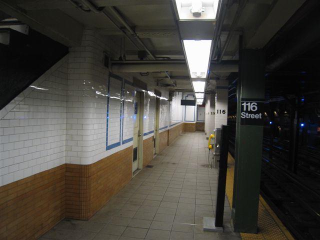 (41k, 640x480)<br><b>Country:</b> United States<br><b>City:</b> New York<br><b>System:</b> New York City Transit<br><b>Line:</b> IRT West Side Line<br><b>Location:</b> 116th Street/Columbia University <br><b>Photo by:</b> David Blair<br><b>Date:</b> 3/7/2007<br><b>Viewed (this week/total):</b> 0 / 1028