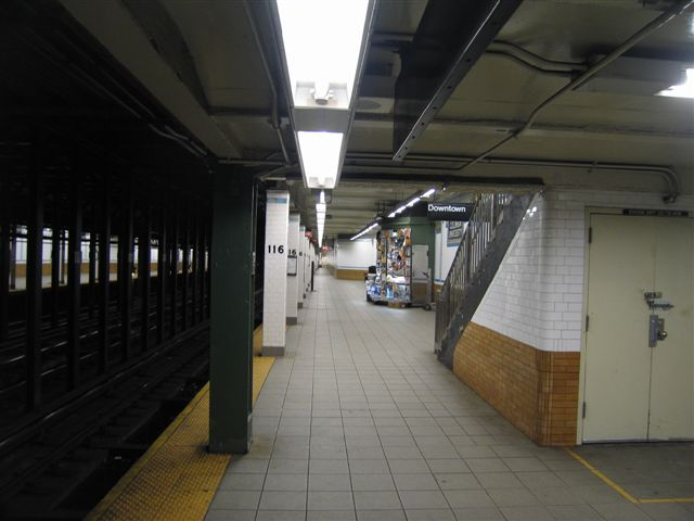 (44k, 640x480)<br><b>Country:</b> United States<br><b>City:</b> New York<br><b>System:</b> New York City Transit<br><b>Line:</b> IRT West Side Line<br><b>Location:</b> 116th Street/Columbia University <br><b>Photo by:</b> David Blair<br><b>Date:</b> 3/7/2007<br><b>Viewed (this week/total):</b> 2 / 1014