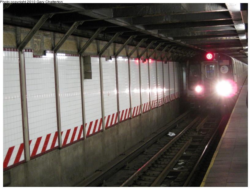 (131k, 820x620)<br><b>Country:</b> United States<br><b>City:</b> New York<br><b>System:</b> New York City Transit<br><b>Line:</b> BMT Broadway Line<br><b>Location:</b> 57th Street <br><b>Route:</b> W<br><b>Car:</b> R-160B (Kawasaki, 2005-2008)  8733 <br><b>Photo by:</b> Gary Chatterton<br><b>Date:</b> 3/19/2010<br><b>Viewed (this week/total):</b> 0 / 1544