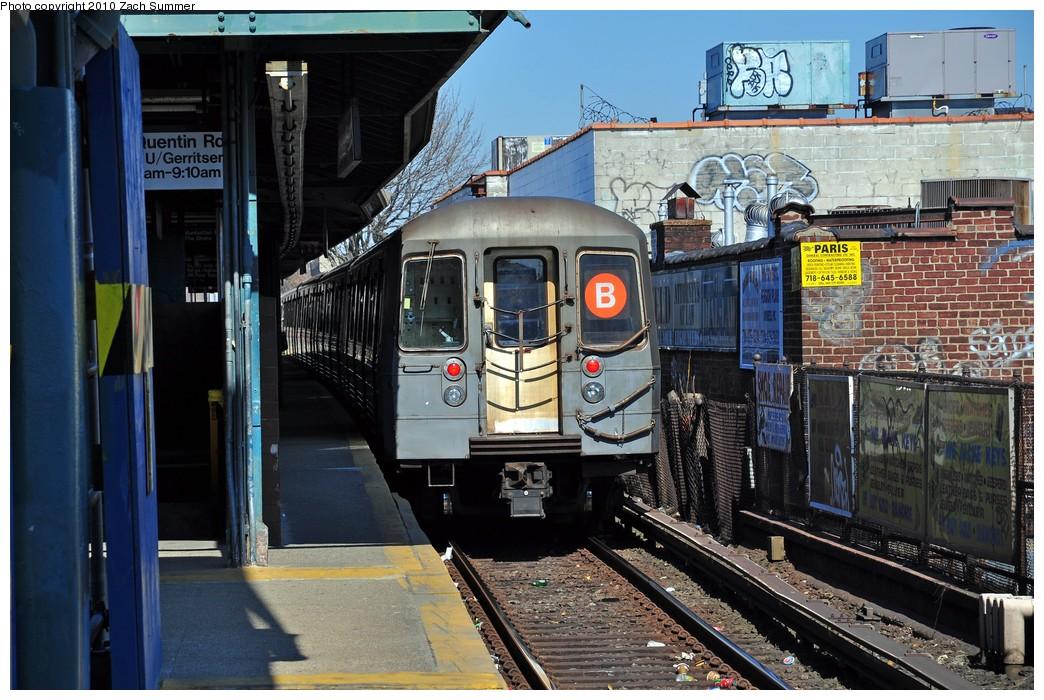 (253k, 1044x700)<br><b>Country:</b> United States<br><b>City:</b> New York<br><b>System:</b> New York City Transit<br><b>Line:</b> BMT Brighton Line<br><b>Location:</b> Kings Highway <br><b>Route:</b> B<br><b>Car:</b> R-68 (Westinghouse-Amrail, 1986-1988)  2836 <br><b>Photo by:</b> Zach Summer<br><b>Date:</b> 3/9/2010<br><b>Viewed (this week/total):</b> 1 / 1171