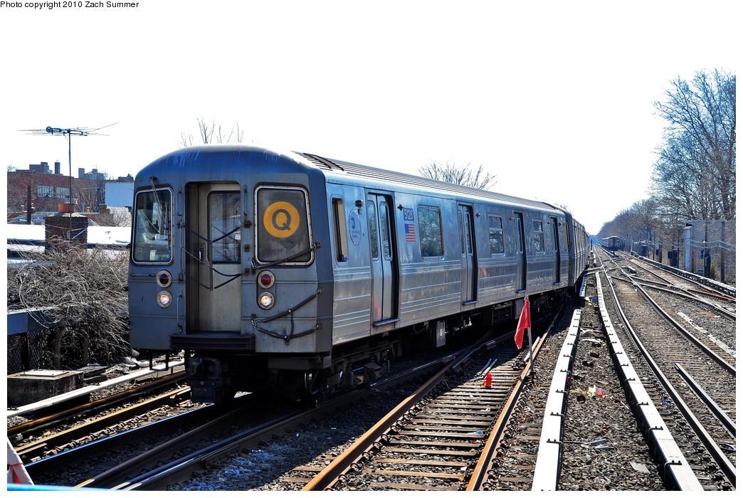 (261k, 1044x700)<br><b>Country:</b> United States<br><b>City:</b> New York<br><b>System:</b> New York City Transit<br><b>Line:</b> BMT Brighton Line<br><b>Location:</b> Kings Highway <br><b>Route:</b> Q<br><b>Car:</b> R-68A (Kawasaki, 1988-1989)  5126 <br><b>Photo by:</b> Zach Summer<br><b>Date:</b> 3/9/2010<br><b>Viewed (this week/total):</b> 3 / 1069