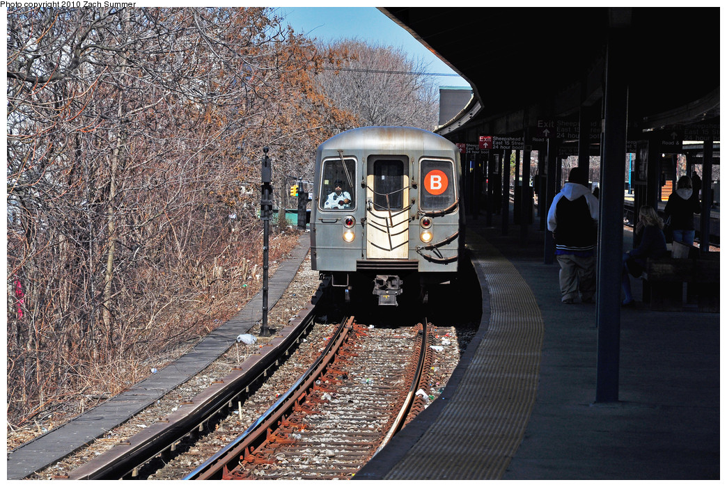(379k, 1044x700)<br><b>Country:</b> United States<br><b>City:</b> New York<br><b>System:</b> New York City Transit<br><b>Line:</b> BMT Brighton Line<br><b>Location:</b> Sheepshead Bay <br><b>Route:</b> B<br><b>Car:</b> R-68A (Kawasaki, 1988-1989)  5160 <br><b>Photo by:</b> Zach Summer<br><b>Date:</b> 3/9/2010<br><b>Viewed (this week/total):</b> 0 / 1346