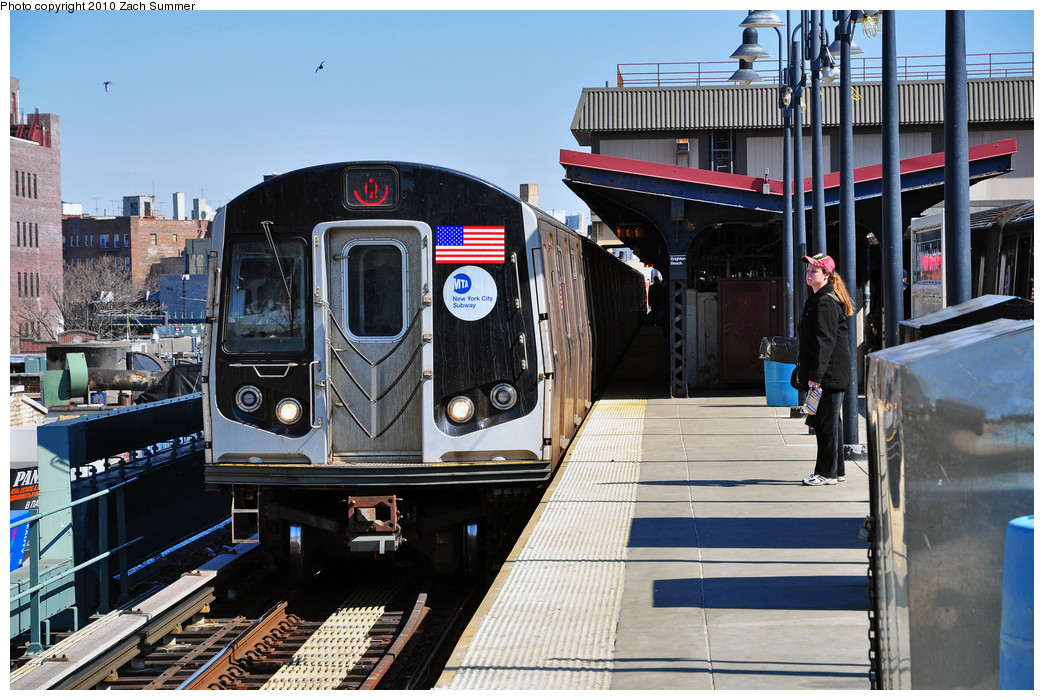 (291k, 1044x700)<br><b>Country:</b> United States<br><b>City:</b> New York<br><b>System:</b> New York City Transit<br><b>Line:</b> BMT Brighton Line<br><b>Location:</b> Brighton Beach <br><b>Route:</b> Q<br><b>Car:</b> R-160B (Option 1) (Kawasaki, 2008-2009)  9132 <br><b>Photo by:</b> Zach Summer<br><b>Date:</b> 3/9/2010<br><b>Viewed (this week/total):</b> 0 / 988