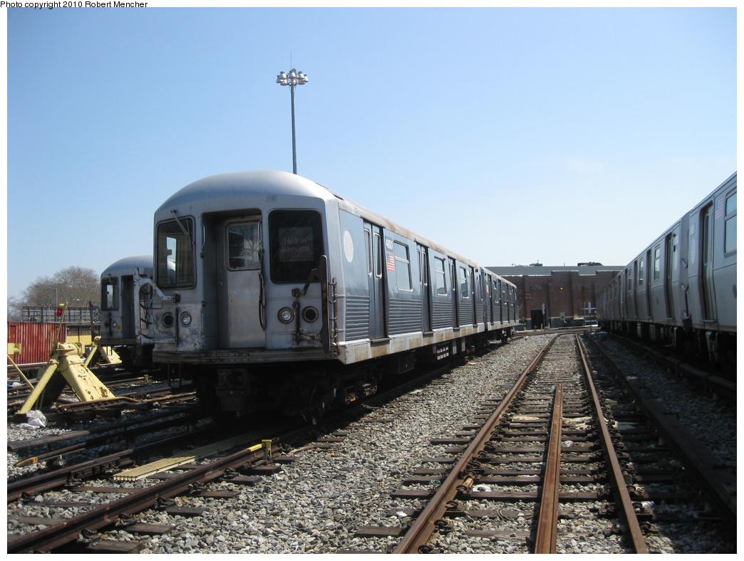 (224k, 1044x788)<br><b>Country:</b> United States<br><b>City:</b> New York<br><b>System:</b> New York City Transit<br><b>Location:</b> East New York Yard/Shops<br><b>Car:</b> R-42 (St. Louis, 1969-1970)  4800 <br><b>Photo by:</b> Robert Mencher<br><b>Date:</b> 4/4/2010<br><b>Viewed (this week/total):</b> 0 / 590