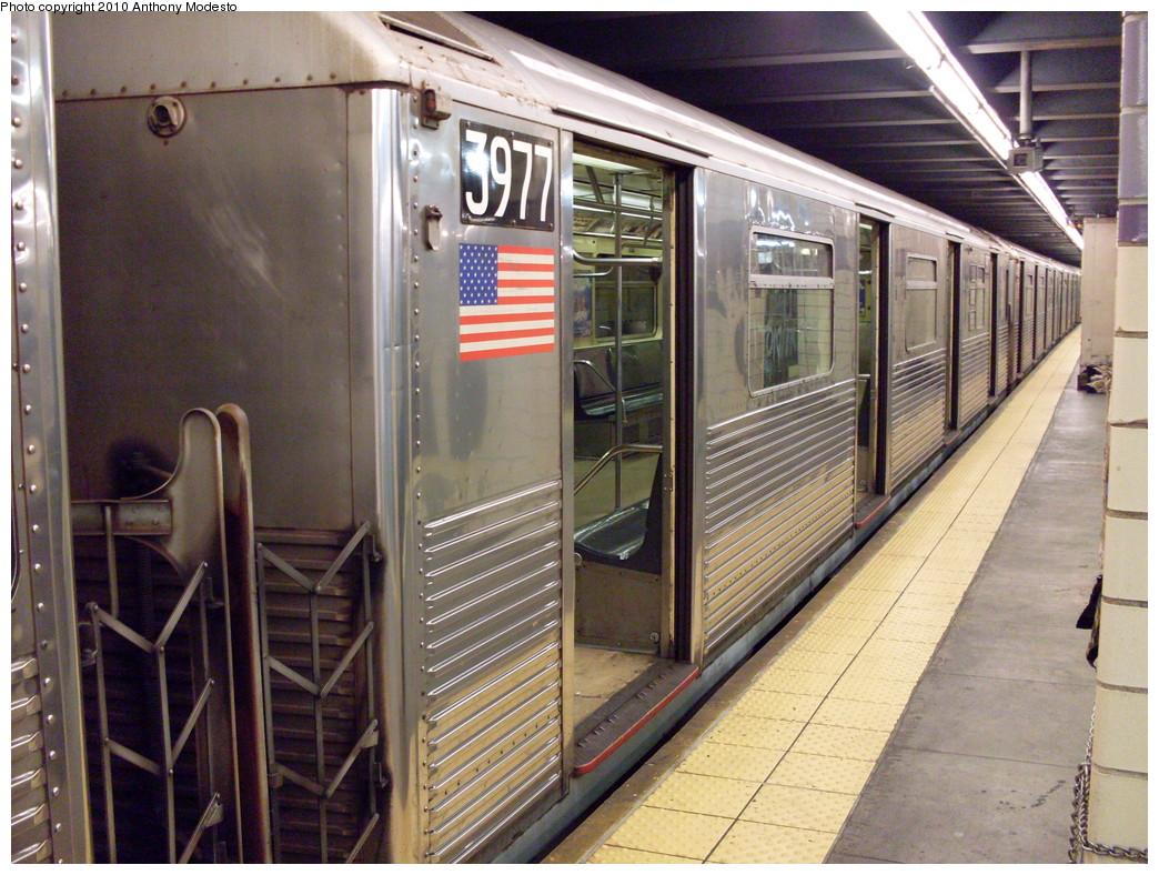 (296k, 1044x788)<br><b>Country:</b> United States<br><b>City:</b> New York<br><b>System:</b> New York City Transit<br><b>Line:</b> IND Fulton Street Line<br><b>Location:</b> Euclid Avenue <br><b>Route:</b> C<br><b>Car:</b> R-38 (St. Louis, 1966-1967)  3977 <br><b>Photo by:</b> Anthony Modesto<br><b>Date:</b> 8/18/2008<br><b>Viewed (this week/total):</b> 0 / 808