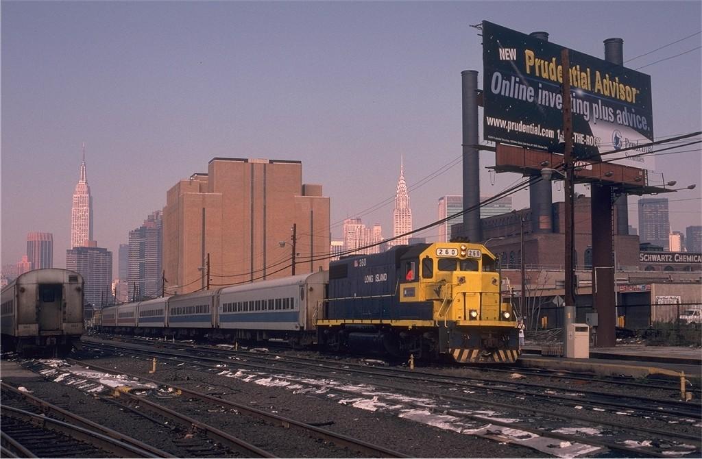 (188k, 1024x670)<br><b>Country:</b> United States<br><b>City:</b> New York<br><b>System:</b> Long Island Rail Road<br><b>Line:</b> LIRR Long Island City<br><b>Location:</b> Long Island City <br><b>Car:</b> LIRR GP38-2 (Diesel) 260 <br><b>Photo by:</b> Eric Oszustowicz<br><b>Collection of:</b> Joe Testagrose<br><b>Date:</b> 9/25/1999<br><b>Viewed (this week/total):</b> 0 / 974