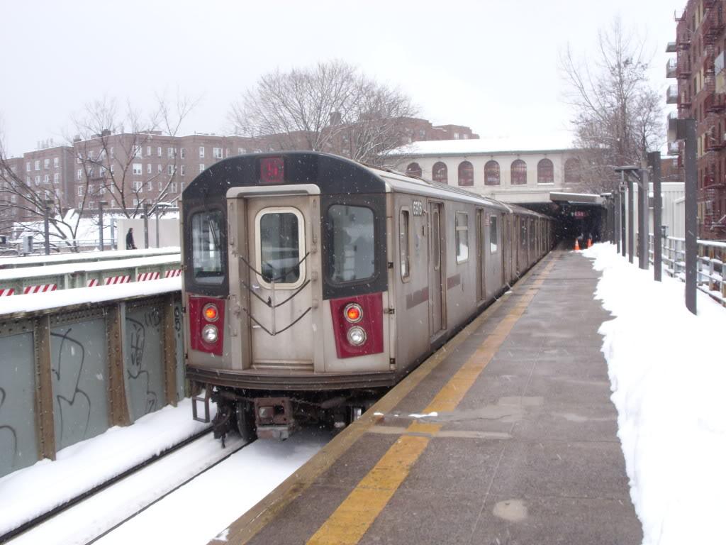 (160k, 1024x768)<br><b>Country:</b> United States<br><b>City:</b> New York<br><b>System:</b> New York City Transit<br><b>Line:</b> IRT Dyre Ave. Line<br><b>Location:</b> Morris Park <br><b>Route:</b> 5<br><b>Car:</b> R-142 or R-142A (Number Unknown)  <br><b>Photo by:</b> Leonard Wilson<br><b>Date:</b> 2/26/2010<br><b>Viewed (this week/total):</b> 0 / 1738