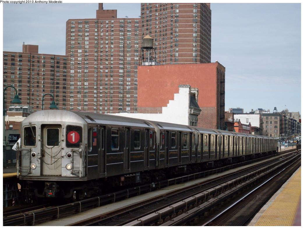 (272k, 1044x788)<br><b>Country:</b> United States<br><b>City:</b> New York<br><b>System:</b> New York City Transit<br><b>Line:</b> IRT West Side Line<br><b>Location:</b> 125th Street <br><b>Route:</b> 1<br><b>Car:</b> R-62A (Bombardier, 1984-1987)  2336 <br><b>Photo by:</b> Anthony Modesto<br><b>Date:</b> 2/19/2009<br><b>Viewed (this week/total):</b> 1 / 1077