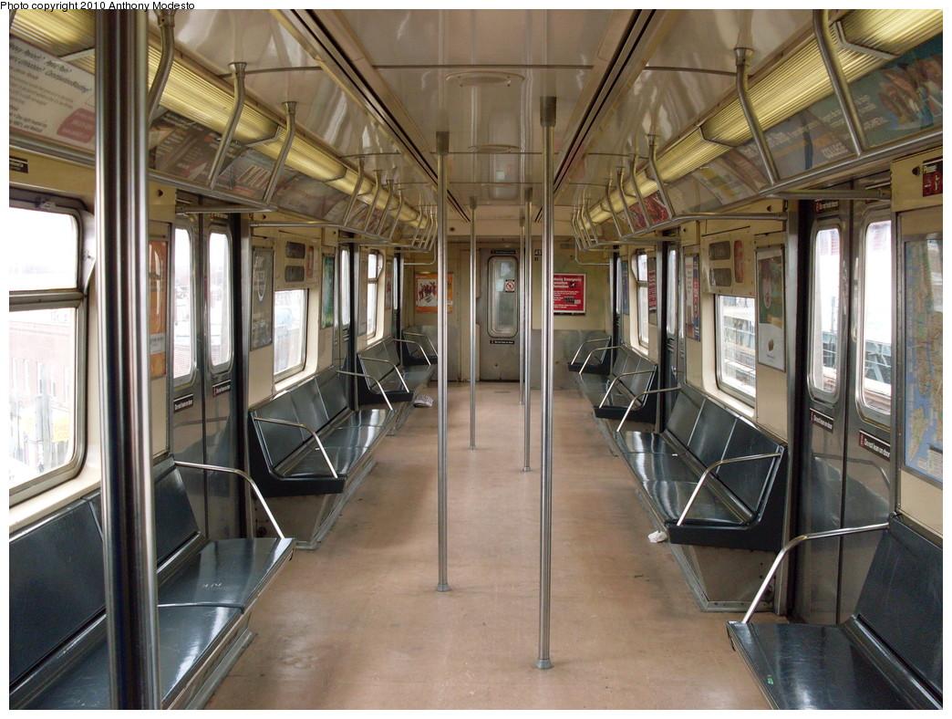 (273k, 1044x788)<br><b>Country:</b> United States<br><b>City:</b> New York<br><b>System:</b> New York City Transit<br><b>Car:</b> R-40M (St. Louis, 1969)  4513 <br><b>Photo by:</b> Anthony Modesto<br><b>Date:</b> 4/11/2009<br><b>Viewed (this week/total):</b> 3 / 938