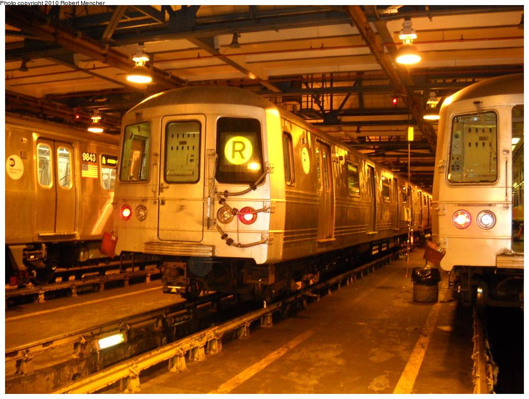 (291k, 1044x788)<br><b>Country:</b> United States<br><b>City:</b> New York<br><b>System:</b> New York City Transit<br><b>Location:</b> Jamaica Yard/Shops<br><b>Car:</b> R-46 (Pullman-Standard, 1974-75)  <br><b>Photo by:</b> Robert Mencher<br><b>Date:</b> 4/30/2010<br><b>Viewed (this week/total):</b> 2 / 1077