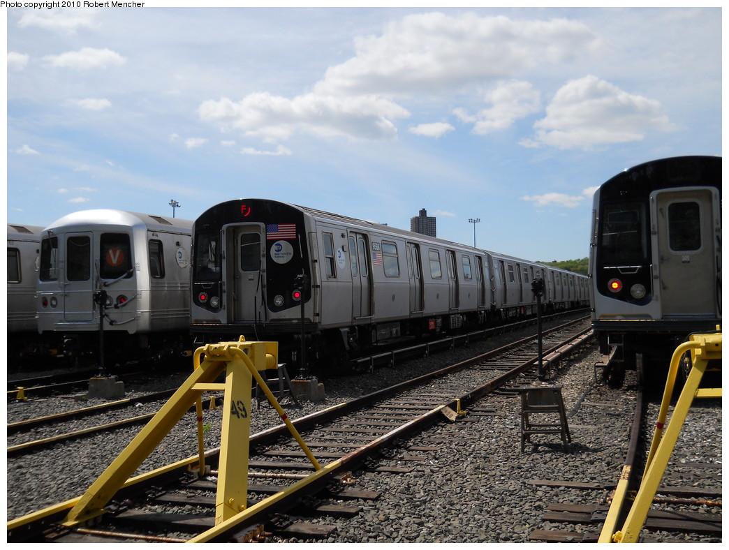 (288k, 1044x788)<br><b>Country:</b> United States<br><b>City:</b> New York<br><b>System:</b> New York City Transit<br><b>Location:</b> Jamaica Yard/Shops<br><b>Car:</b> R-160A (Option 1) (Alstom, 2008-2009, 5 car sets)  9568 <br><b>Photo by:</b> Robert Mencher<br><b>Date:</b> 5/15/2010<br><b>Viewed (this week/total):</b> 0 / 1006